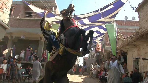 15-Jährige präsentiert Pferdeshow in Ägypten
