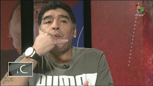 Марадона жив и свистит