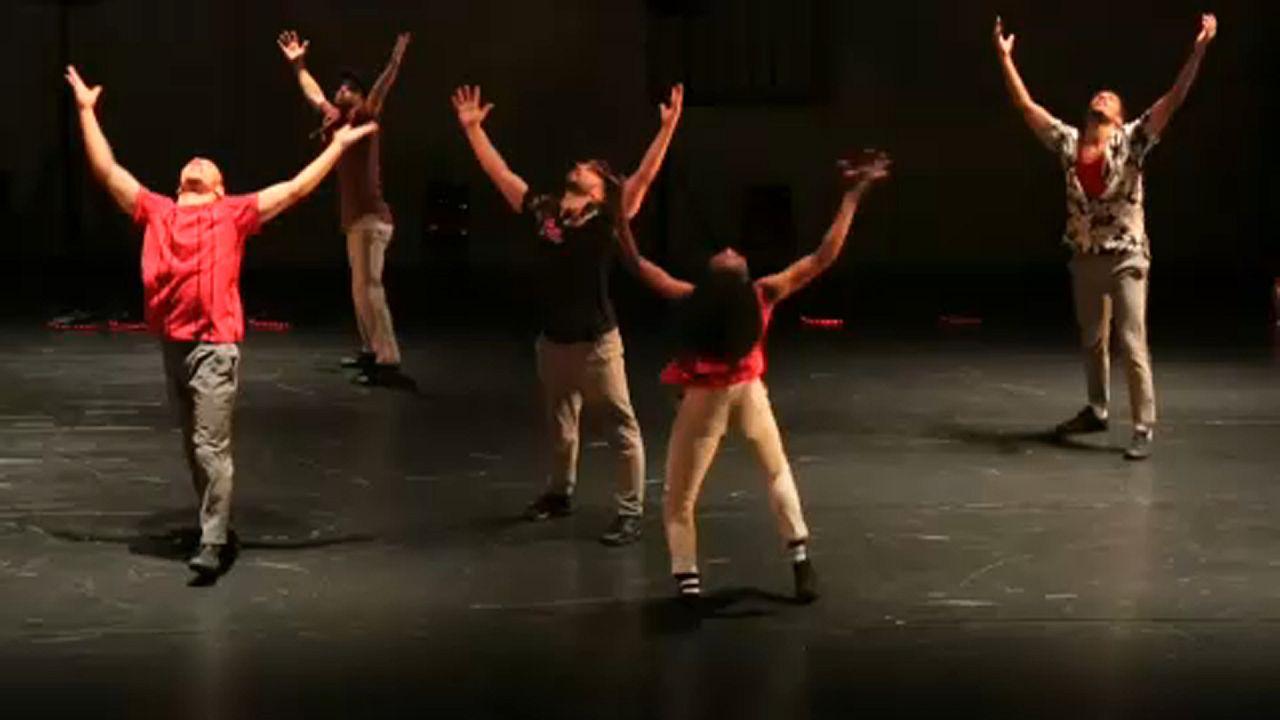 Dinamikus hip hop-tánccal színesítik a montpellier-i táncfesztivált