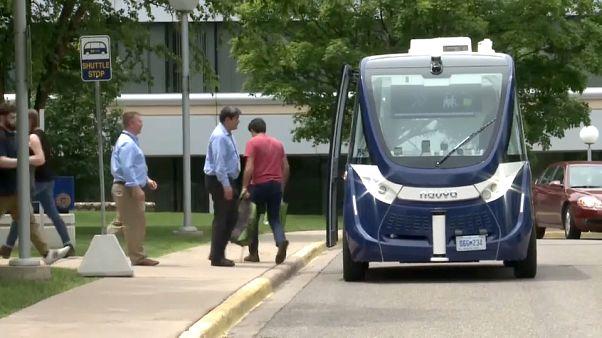 حافلات ركاب ذاتية القيادة تجوب حرم جامعة ميشيغان