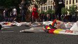 WM-Aus: Händler verramschen Fanartikel oder motten sie ein