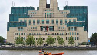 مبنى المخابرات البريطانية في لندن