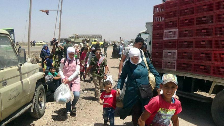 120 ألف نازح سوري وإسرائيل توصد أبوابها