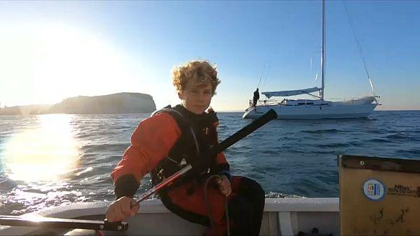 A douze ans, il traverse la Manche en optimist
