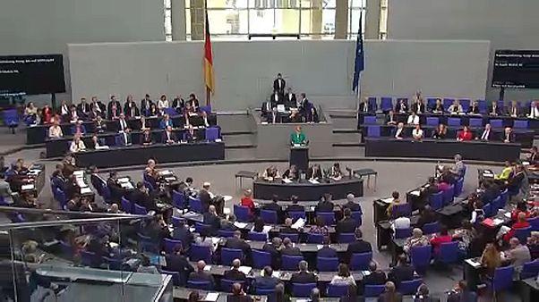Bundestag: újabb támogatás Athénnak