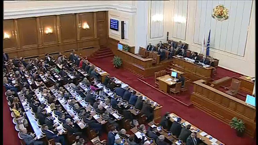 Helyén marad a bolgár kormány