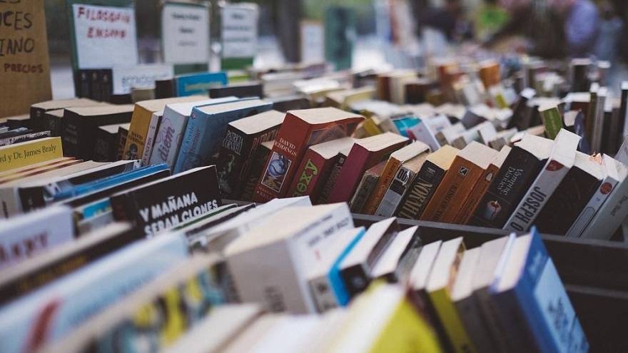 "14-Euro-Tag: Verzweifelter Tweet beschert Buchhandlung ""besten Tag"""