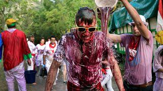 شاهد: باتالا دي فينو - حرب النبيذ السنوية في اسبانيا