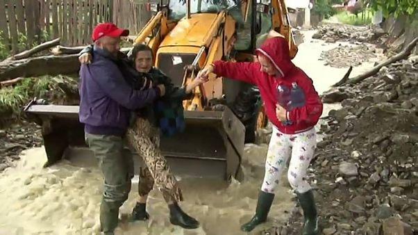 Quinientas casas inundadas por lluvias torrenciales y deshielos en Rumanía