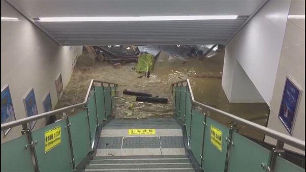 Проливные дожди в Китае