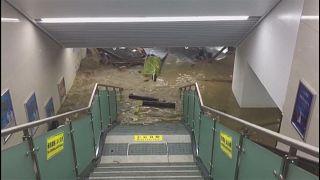 Çin'de sel felaketi: İstasyonları su bastı