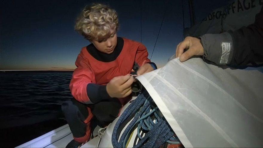 12 yaşında Manş Denizi'ni geçerek rekor kırdı