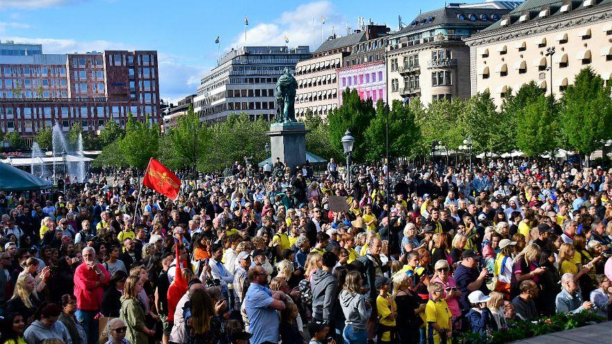 İsveç'te 2 bin kişi Türk asıllı oyuncu Jimmy Durmaz'a destek için toplandı