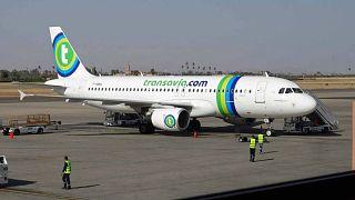 وفاة مسافر تسببت رائحته في هبوط إضطراري لطائرة