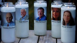 La population d'Annapolis marche pour rendre hommage aux cinq morts du quotidien local, The Capital