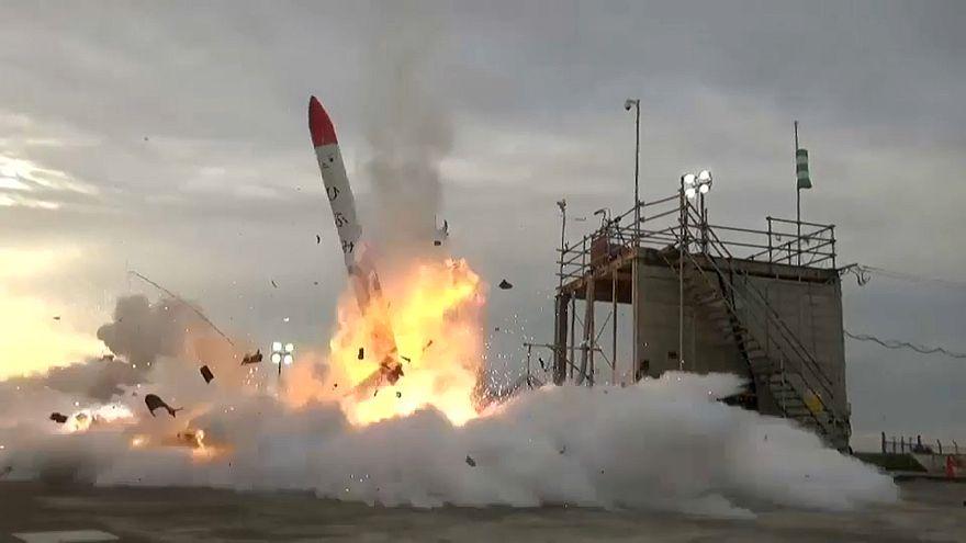 شاهد: تحطم وانفجار صاروخ ياباني بعيد لحظات من إطلاقه