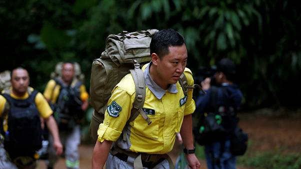 Operação de resgate de grupo de crianças tailandesas entra no sétimo dia