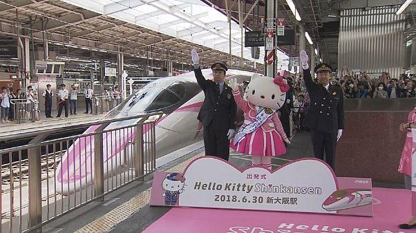 """شاهد: قطار """"هيلو كيتي"""" يدخل الخدمة"""