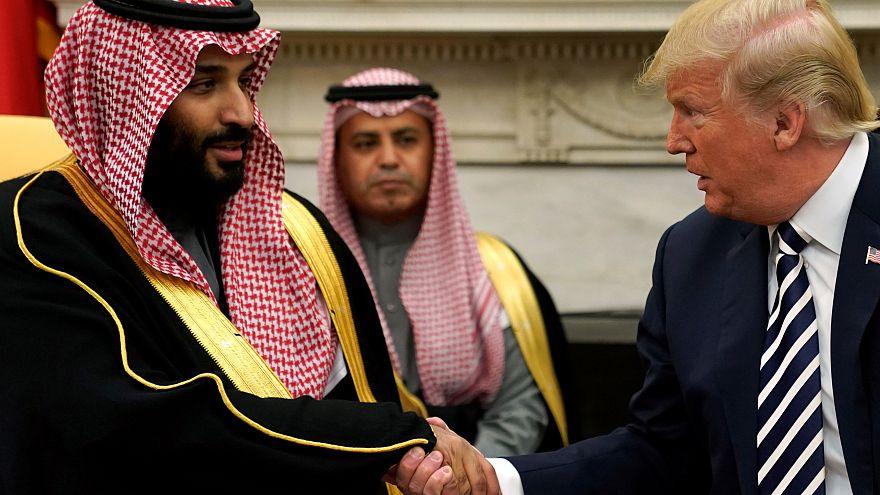 ترامب يكشف في تغريده عن طلب تقدم به للعاهل السعودي