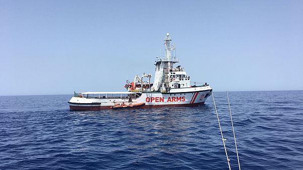 La deputata europea Forenza a bordo dell'Astral, Ong salva 60 migranti