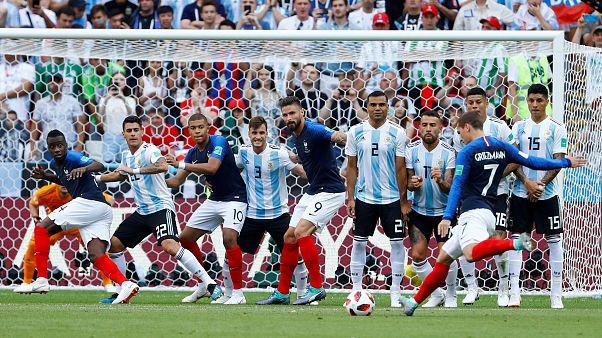 Франция вышла в 1/4 финала ЧМ по футболу, обыграв Аргентину 4:3