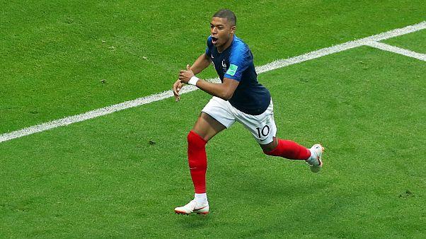 فرنسا تطيح بالأرجنتين من كأس العالم بفضل ثنائية مبابي