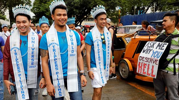 Thousands celebrate Gay Pride in Manila