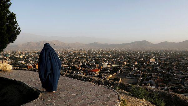 افغانستان؛ سر سه مرد بریده شد و یک مدرسه به آتش کشیده شد