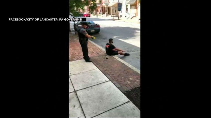 فیلم حمله پلیس آمریکایی با شوکر