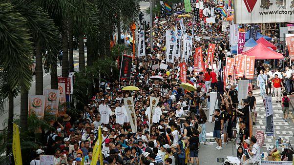Hongkongi évforduló tüntetésekkel