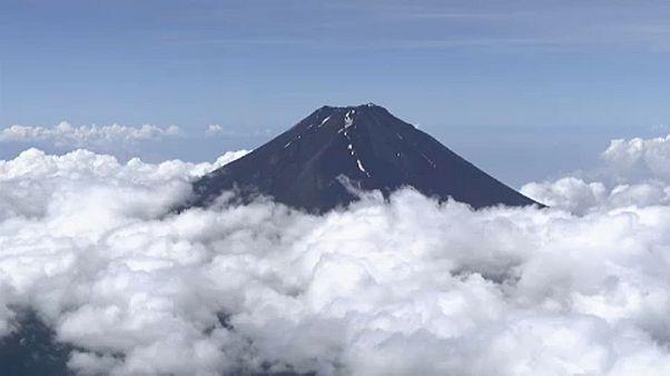 فصل صعود به کوه فوجی فرا رسید
