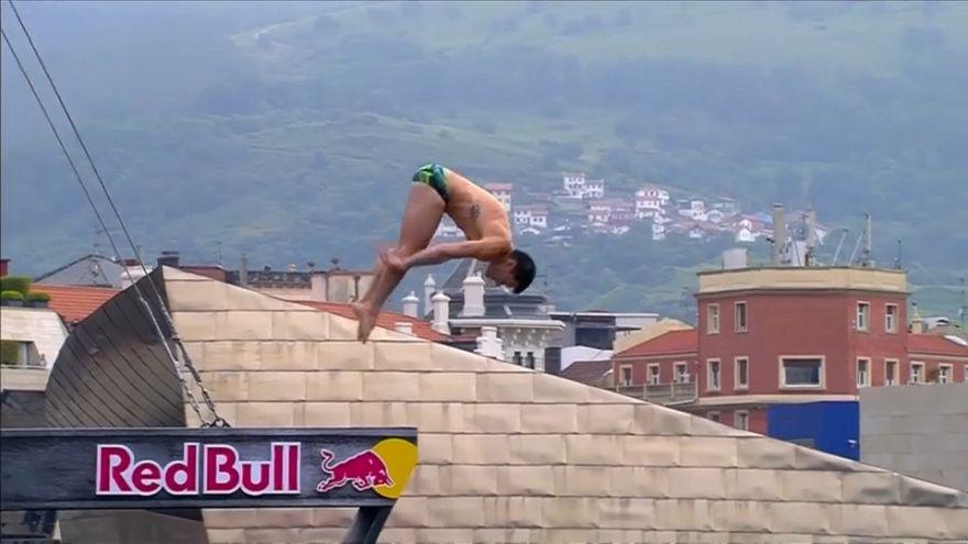 LoBlue impõe-se nos mundiais de salto para a água em Bilbau