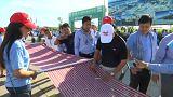 كمبوديا تصنع أطول وشاح في العالم وتدخل موسوعة غينيس