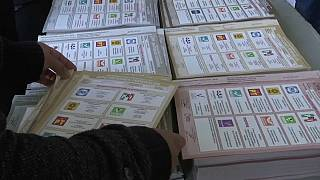 Cierre de urnas en México para unas elecciones históricas