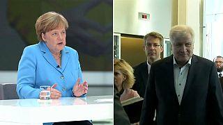 Dimite el ministro del Interior alemán Seehofer por sus diferencias con Merkel en migración