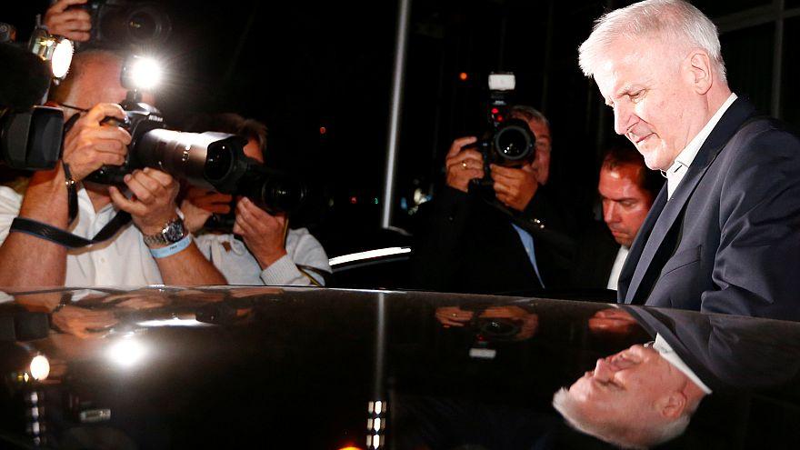 Πολιτικό θρίλερ στη Γερμανία: Κρίσιμο τετ-α-τετ Μέρκελ - Ζεεχόφερ