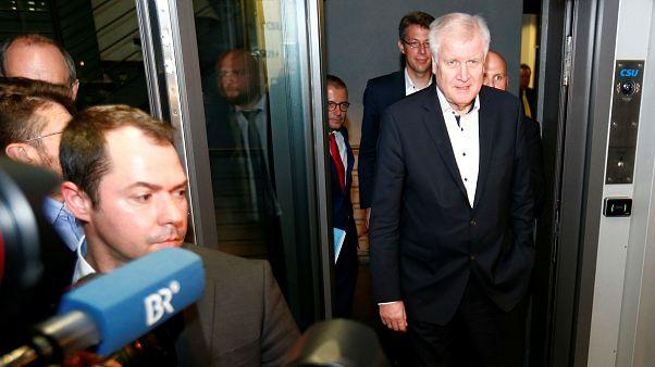 بحران سیاسی در آلمان؛ وزیر کشور استعفا میکند