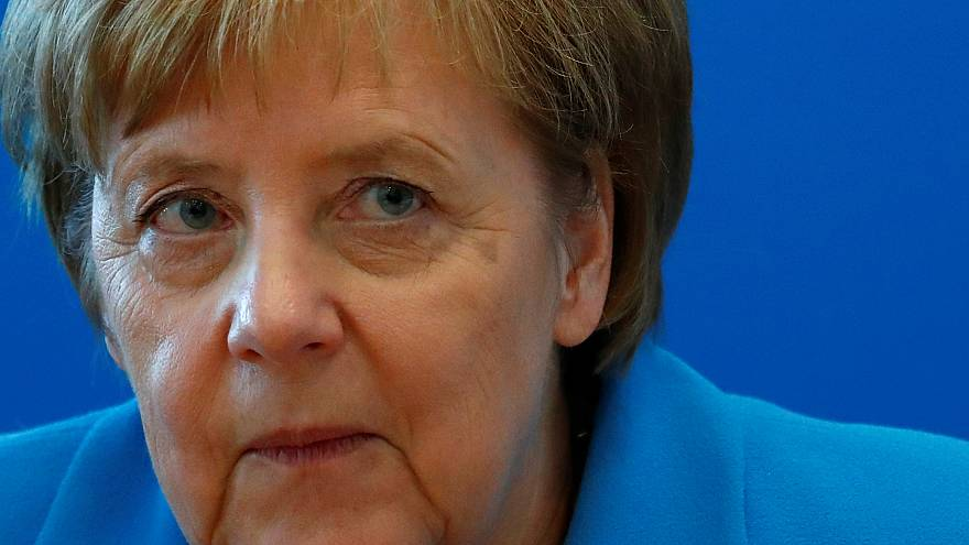 Merkel contra las cuerdas: el ministro del Interior amaga con dimitir