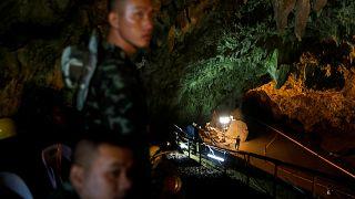 L'espoir subsiste pour les disparus de la grotte