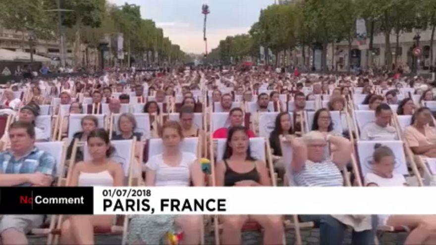 Kertmozi lett a Champs-Élysées