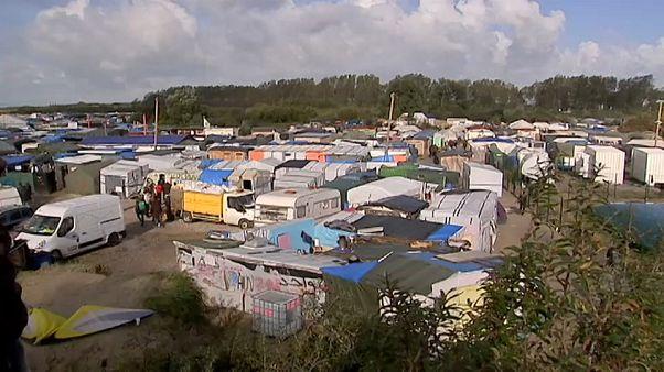 "A ""selva de Calais"" ano e meio depois"
