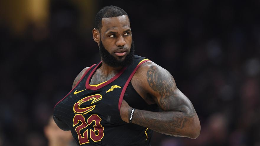 NBA, è ufficiale: King James vola a Los Angeles!