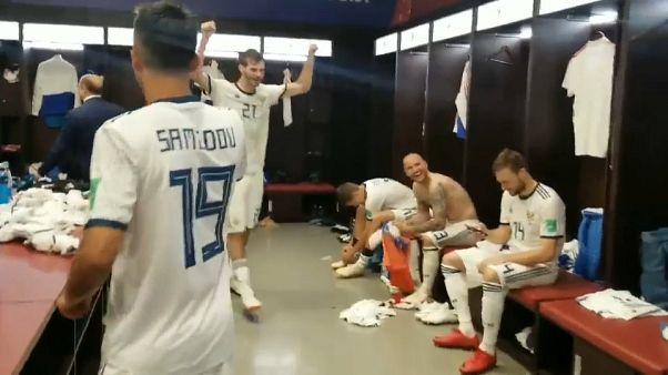 الفوز على إسبانيا يذهب عقول الروس والكرملين يشارك في الاحتفالات