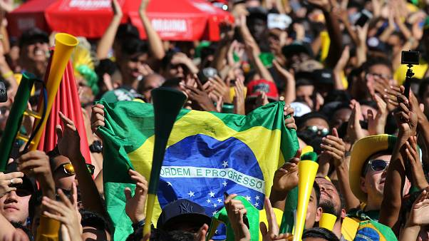 Brazil defeat Mexico 2-0, advance to quarterfinals