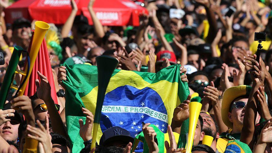 Brazil defeat Mexico 2-0, advance to quarterfinals
