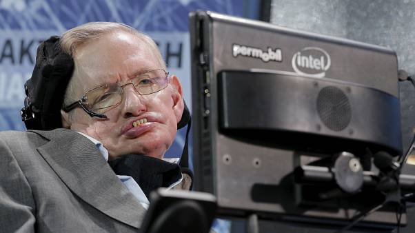 How to score the perfect penalty — according to Stephen Hawking