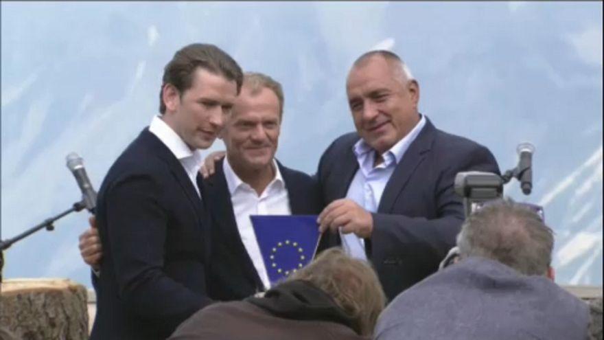 Austria preside la UE con un programa centrado en la migración