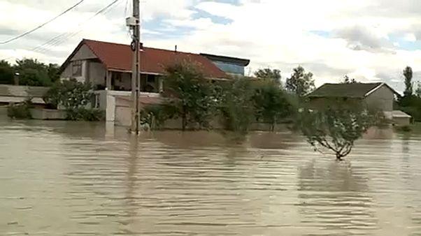 Továbbra is készültség van Romániában az árvíz miatt