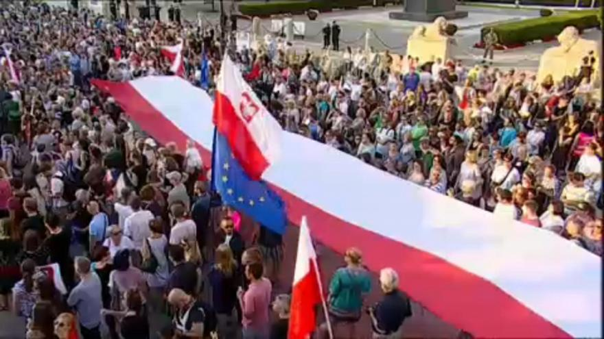 """Bruselas abre un proceso de  infracción contra Polonia para """"proteger"""" Tribunal Supremo"""
