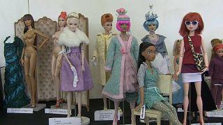 شاهد: مهرجان أزياء خاص بالدمى في لندن!